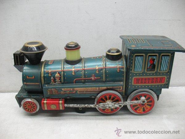 Juguetes antiguos de hojalata: Modern Toys - Locomotora de vapor japonesa de chapa con mecanismo a pilas - Foto 2 - 45465209