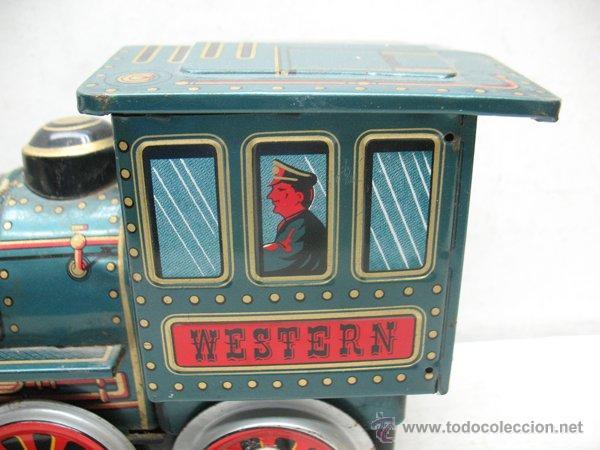 Juguetes antiguos de hojalata: Modern Toys - Locomotora de vapor japonesa de chapa con mecanismo a pilas - Foto 4 - 45465209