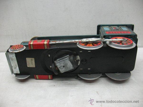 Juguetes antiguos de hojalata: Modern Toys - Locomotora de vapor japonesa de chapa con mecanismo a pilas - Foto 8 - 45465209