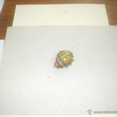 Juguetes antiguos de hojalata - Pequeño escarabajo de hojalata ,años 40 (ver fotos adicionales ) tiene sonido cli cla - 46001826