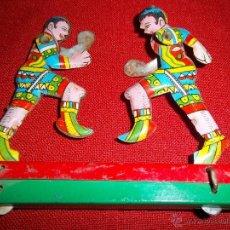 Juguetes antiguos de hojalata - ANTIGUOS BOXEADORES DE HOJALATA MOVIMIENTO MANUAL AÑOS 50 - 46621854