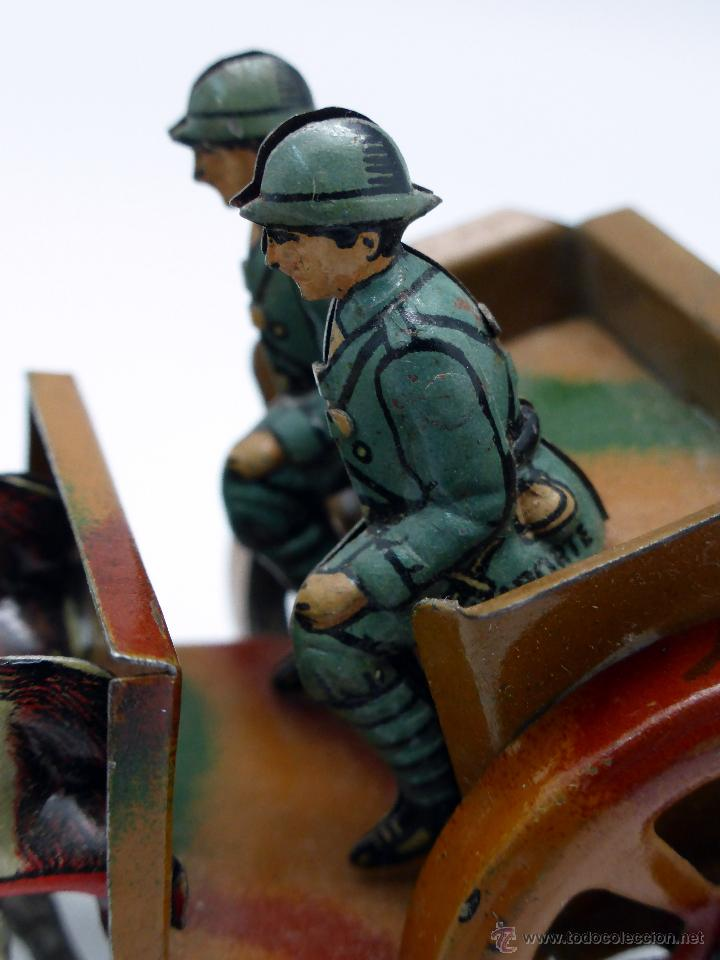 Juguetes antiguos de hojalata: Carro cañón tiro caballos conducido por dos soldados hojalata litografiada Made in Germany años 30 - Foto 6 - 48611300