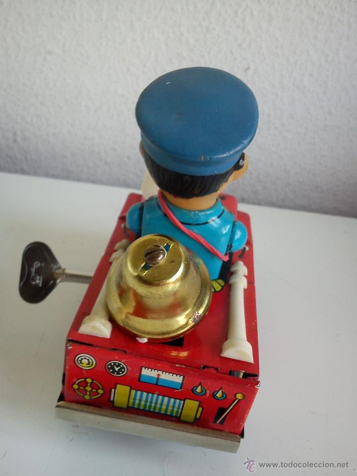 Juguetes antiguos de hojalata: PRECIOSO COCHE PARA COLECION CON EL POLICIA SELADO 653 MS 884MAD CHINE - Foto 3 - 49362159