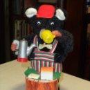 Juguetes antiguos de hojalata: OSITO TOMANDO CAFE. Lote 49789206
