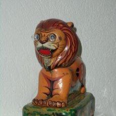 Juguetes antiguos de hojalata: LEON. JUGUETE JAPONES. Lote 49840910