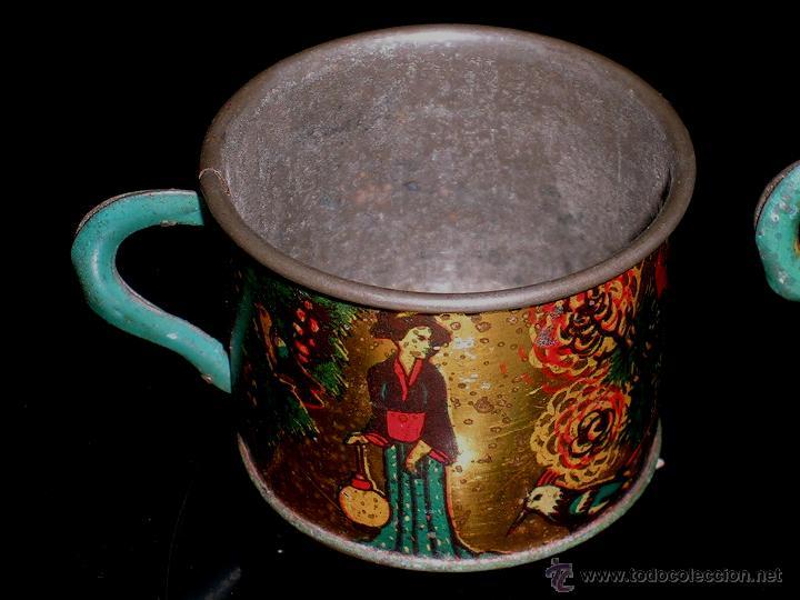 Juguetes antiguos de hojalata: Juego de café o té con motivos orientales, fabricado en hojalata litografiada, Rico S.A. Años 30. - Foto 3 - 50007044