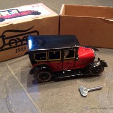 Juguetes antiguos de hojalata - Taxi 1923 PAYA fabricado en hojalata con mecanismo de cuerda. Réplica actual - 50029037