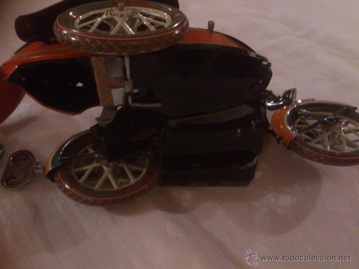 Juguetes antiguos de hojalata: LOTE DE DOS REPRODUCCIONES DE VEHICULOS DE HOJALATA DE PAYA - Foto 6 - 50357890