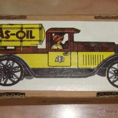 Juguetes antiguos de hojalata: DIFICIL CAJA VACIA DE CAMION GAS OIL PAYA . Lote 50530764