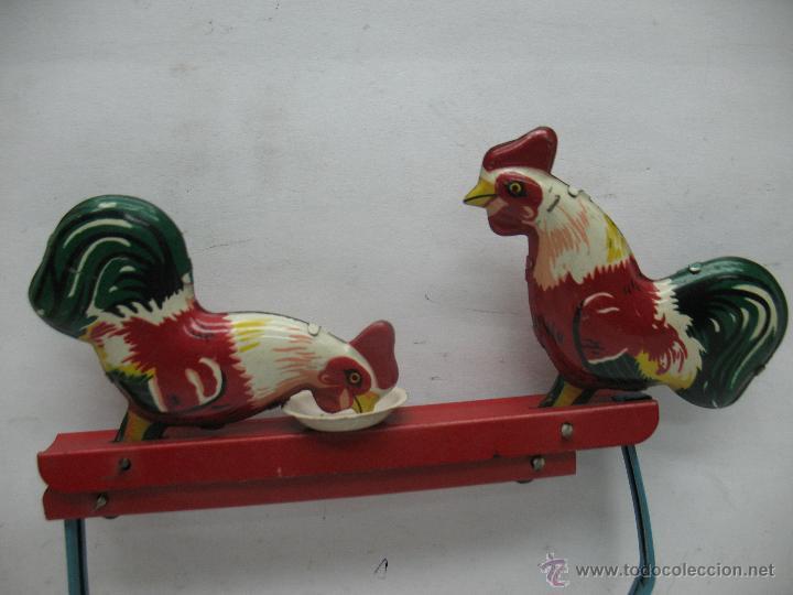 Juguetes antiguos de hojalata: Gallinas pica pica made in China - Foto 2 - 50552487