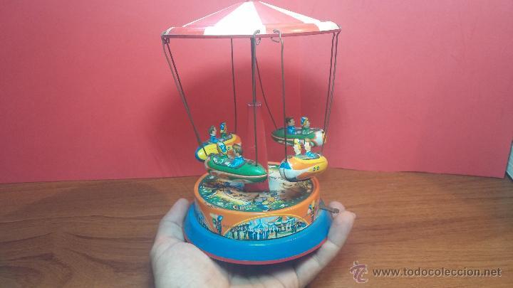 JUGUETE CARRUSEL DE HOJALATA (Juguetes - Juguetes Antiguos de Hojalata Extranjeros)