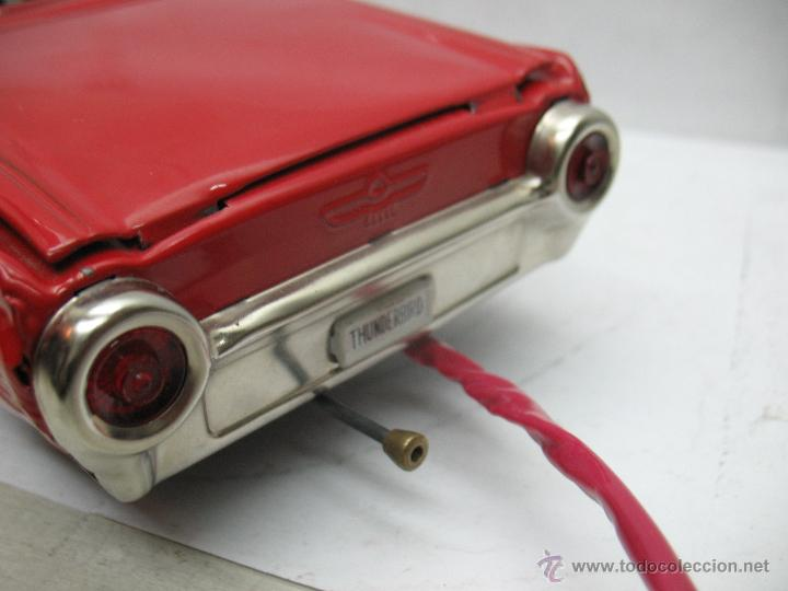 Juguetes antiguos de hojalata: Cragstan - Antiguo coche descapotable japonés FORD THUNDERBIRD metálico con mecanismo a pilas - Foto 8 - 52149334