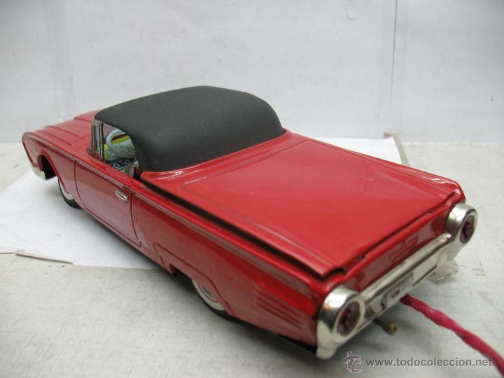 Juguetes antiguos de hojalata: Cragstan - Antiguo coche descapotable japonés FORD THUNDERBIRD metálico con mecanismo a pilas - Foto 16 - 52149334
