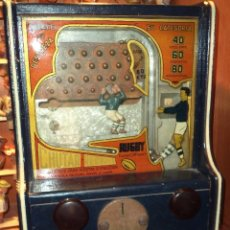 Juguetes antiguos de hojalata: MAQUINA DE RUGBY. Lote 52540791