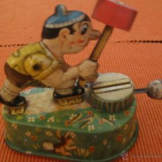 Juguetes antiguos de hojalata: ANTIGUA HUCHA LEÑADOR HOJALATA LITOGRAFIADA ALEMANIA AÑOS 30 40. Lote 52812071