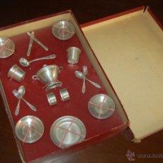 Juguetes antiguos de hojalata: MENAJE DE COCINA DE LATA. Lote 53041491