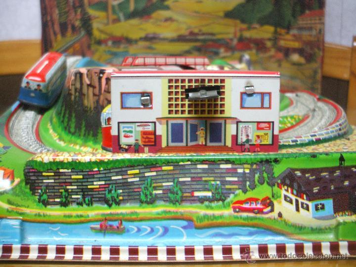 Juguetes antiguos de hojalata: MARKE TECHNOFIX 312 ROCKY MOUNTAINS TRAIN, CIRCUITO DE HOJALATA JUGUETE ALEMAN AÑOS 60 * MUY RARO * - Foto 10 - 53088094