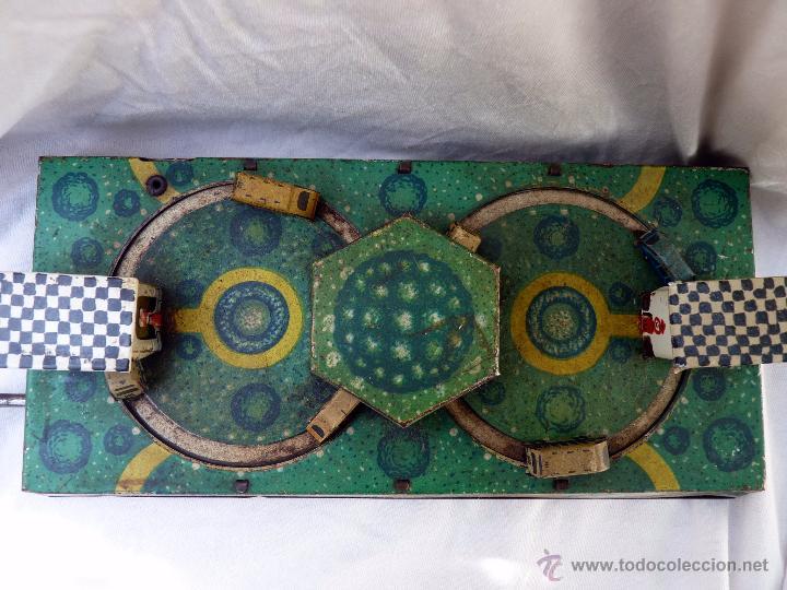 Juguetes antiguos de hojalata: PRECIOSO JUGUETE ANTIGUO DE METAL ESTACIÓN DE AUTOBUSES - Foto 10 - 53839873