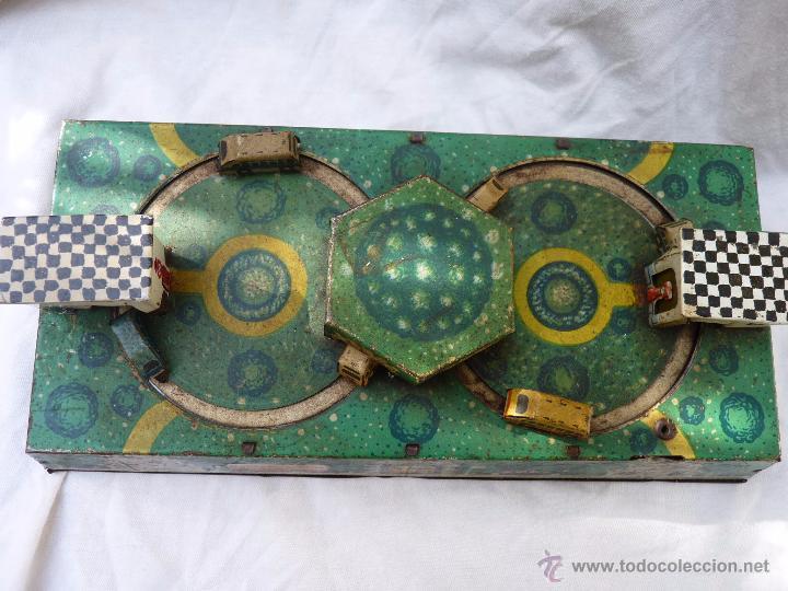 Juguetes antiguos de hojalata: PRECIOSO JUGUETE ANTIGUO DE METAL ESTACIÓN DE AUTOBUSES - Foto 13 - 53839873