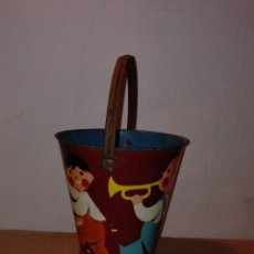 Juguetes antiguos de hojalata: CUBO DE HOJALATA MADE IN CHECOSLOVAQUIA AÑO 68. Lote 54308658