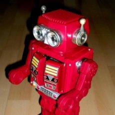 Juguetes antiguos de hojalata: ROBOT SUPER ASTRONAUT SPACE 30 CMS, LATA Y PLÁSTICO, JAPAN SH HORIKAWA, AÑOS 60. FUNCIONANDO.. Lote 54587619