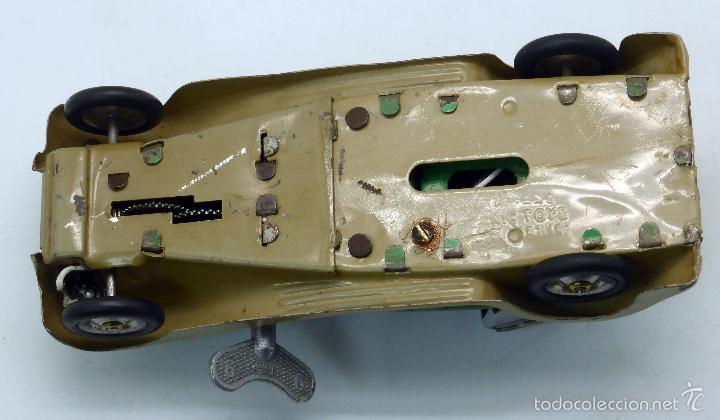 Juguetes antiguos de hojalata: Automóvil descapotable Minic Toys Made in England hojalata a cuerda Funciona - Foto 6 - 56503971