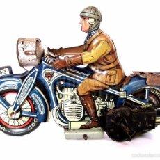 Juguetes antiguos de hojalata: MOTO MOTOCICLETA DE HOJALATA ARNOLD A 643 A CUERDA. ALEMANIA AÑOS 30 ORIGINAL. Lote 56964572