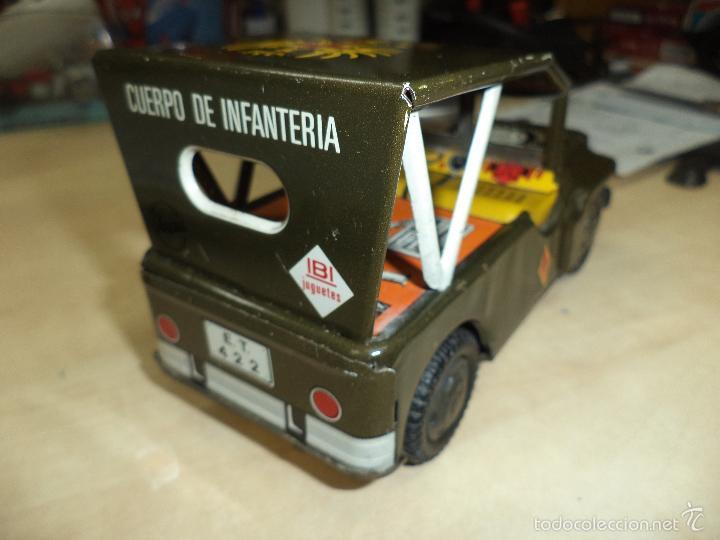 Juguetes antiguos de hojalata: Jeep Militar del Ejército de Tierra - Infantería.Payva España, a fricción.Hojalata. - Foto 3 - 57100172