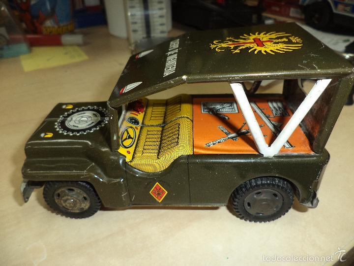Juguetes antiguos de hojalata: Jeep Militar del Ejército de Tierra - Infantería.Payva España, a fricción.Hojalata. - Foto 6 - 57100172