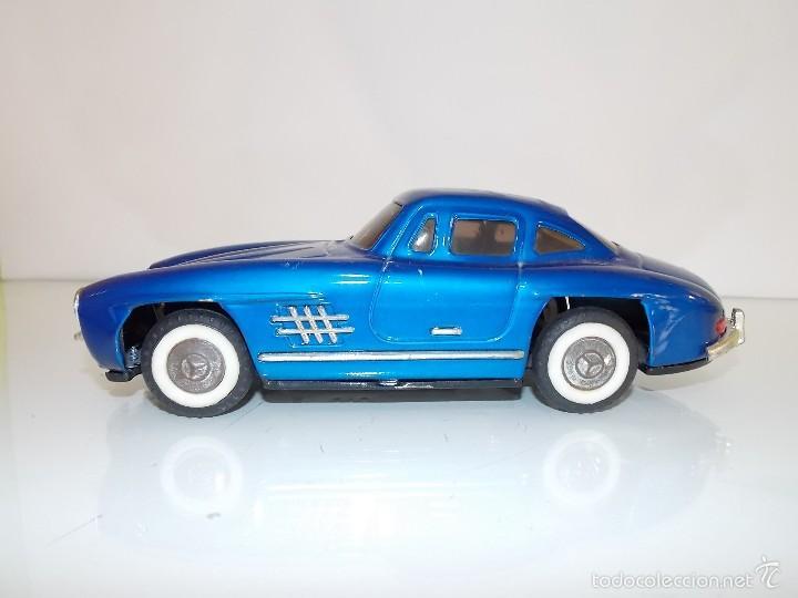 Juguetes antiguos de hojalata: Mercedes hojalata // toy tin car vintage // Made in Japan - Foto 3 - 57803595