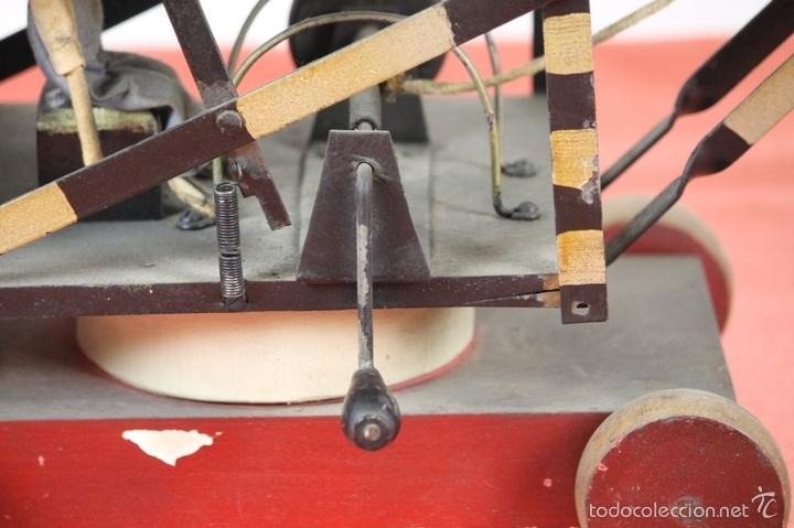 Juguetes antiguos de hojalata: EXCAVADORA ARTICULADA. JUGUETE EN HOJALATA. ESPAÑA. PRINCIPIOS SIGLO XX. - Foto 18 - 57951892