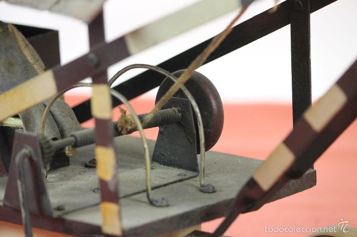 Juguetes antiguos de hojalata: EXCAVADORA ARTICULADA. JUGUETE EN HOJALATA. ESPAÑA. PRINCIPIOS SIGLO XX. - Foto 33 - 57951892