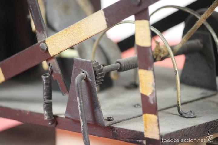 Juguetes antiguos de hojalata: EXCAVADORA ARTICULADA. JUGUETE EN HOJALATA. ESPAÑA. PRINCIPIOS SIGLO XX. - Foto 34 - 57951892