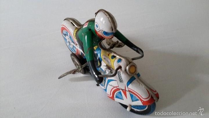 Juguetes antiguos de hojalata: MOTO DE HOJALATA. MEDIDA 18×12 - Foto 2 - 58066680