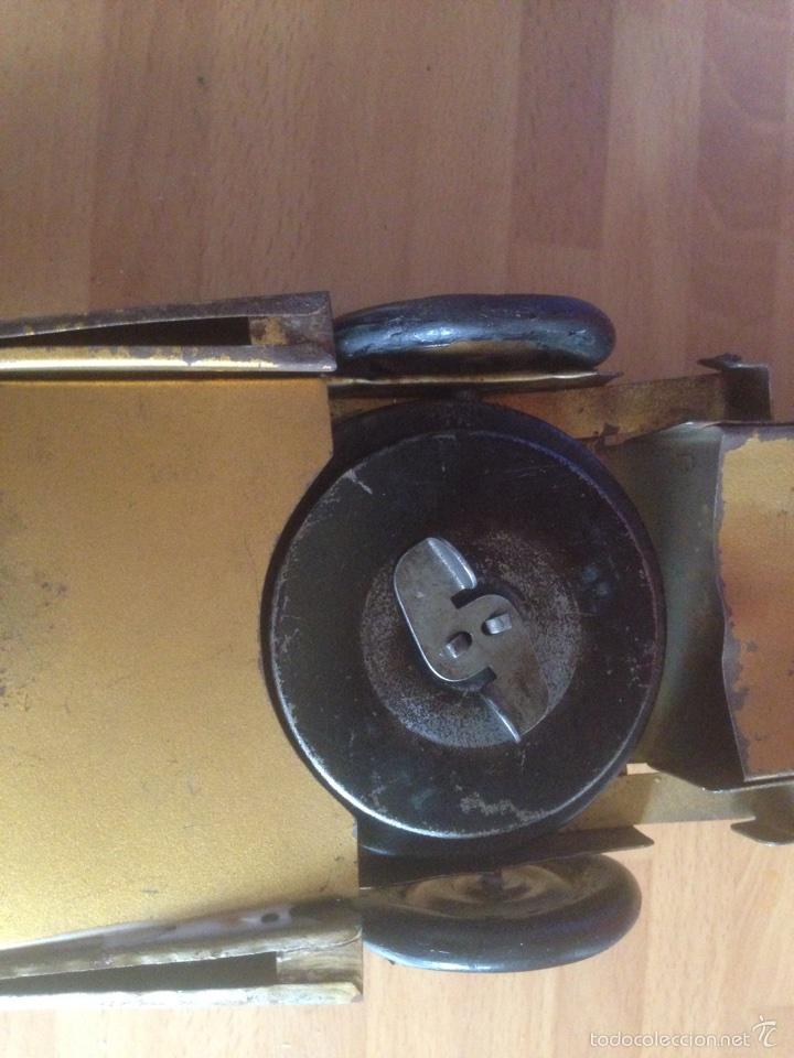 Juguetes antiguos de hojalata: Antiguo coche de hojalata a cuerda golden arrow flecha de oro.mide 50 cm - Foto 13 - 58437282