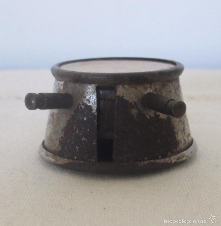 Juguetes antiguos de hojalata: Antiguo mini reloj en lata - Foto 6 - 58447837