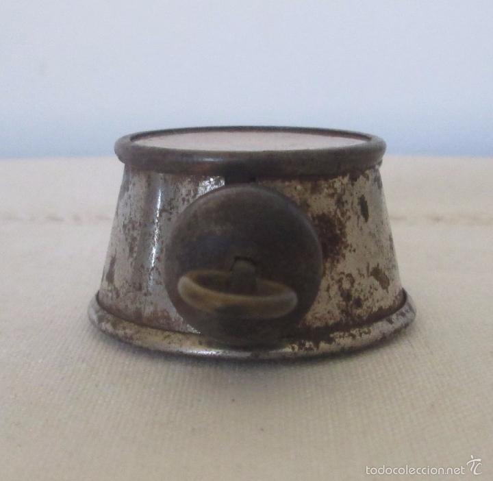 Juguetes antiguos de hojalata: Antiguo mini reloj en lata - Foto 7 - 58447837