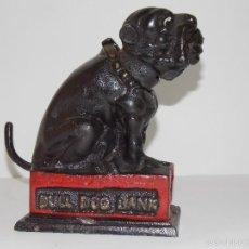 Juguetes antiguos de hojalata: ANTIGUA HUCHA HIERRO PERRO BULL DOG. Lote 60170711
