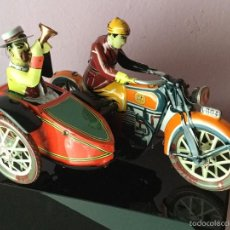 Juguetes antiguos de hojalata - Moto con sidecar. Hojalata PAYA - 60943387