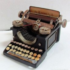 Juguetes antiguos de hojalata - Máquina de escribir en metal - 63190712