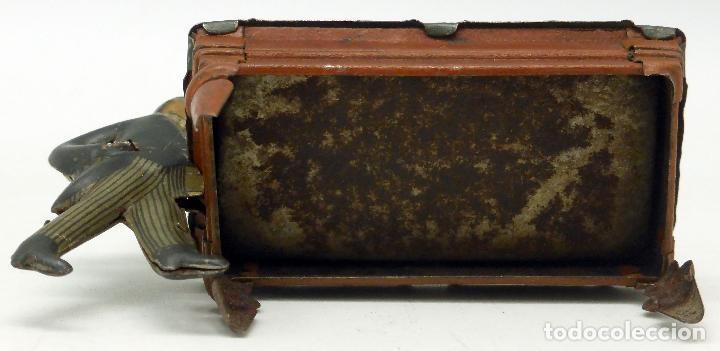 Juguetes antiguos de hojalata: Jugador billar con mesa Verdu y Cía hojalata litografiada hacia 1915 - Foto 5 - 63907931