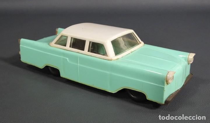 Juguetes antiguos de hojalata: antiguo coche juguete de plastico ruso Limusina sovietica - Foto 2 - 64128523