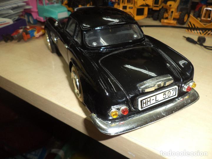 Juguetes antiguos de hojalata: BMW 507 Roadster de 1959.Hojalata a fricción.Años 60.Escala 1/10 aprox. - Foto 3 - 65985382