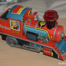 Juguetes antiguos de hojalata: VINTAGE - TIN TOY DAIYA - MADE IN JAPAN - LOCOMOTORA FAIRYLAND - A PILAS - BATTERY OPERATED. Lote 68897265