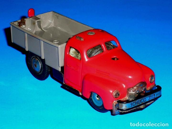 Juguetes antiguos de hojalata: Camión volquete Schuco Varianto Elektro 3112, eléctrico, made in Germany, original años 50. - Foto 6 - 68954061