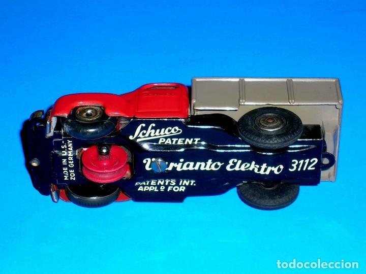 Juguetes antiguos de hojalata: Camión volquete Schuco Varianto Elektro 3112, eléctrico, made in Germany, original años 50. - Foto 7 - 68954061