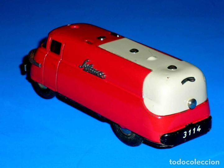 Juguetes antiguos de hojalata: Furgoneta Schuco Varianto Elektro Express 3114, eléctrico, made in Germany, original años 50. - Foto 4 - 68954725