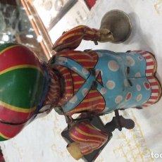 Juguetes antiguos de hojalata - Muñeco juguete hojalata con movimiento - 69599249