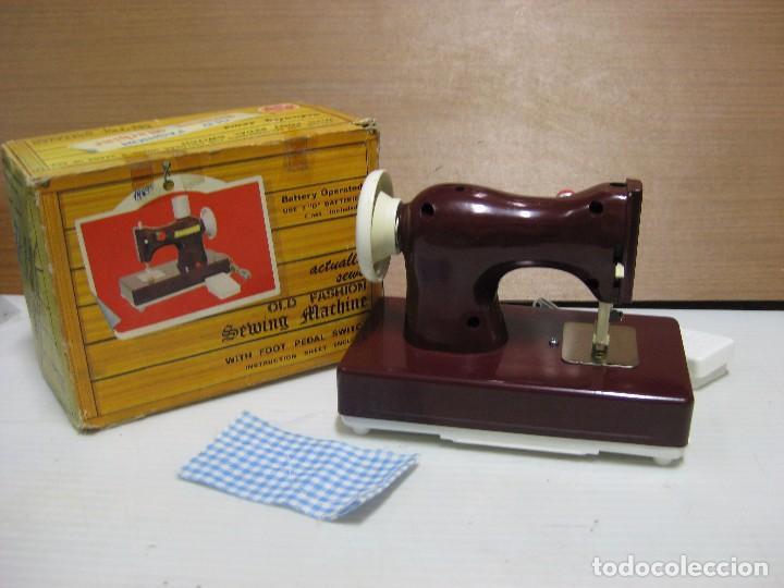 Juguetes antiguos de hojalata: ANTIGUA MÁQUINA DE COSER LITTLE SISTER - JAPÓN - Foto 3 - 69994097