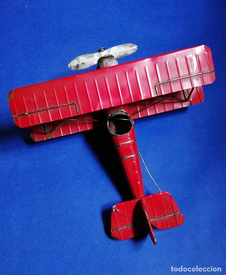 Juguetes antiguos de hojalata: VINTAGE BIPLANO MONOPLAZA DE HOJALATA 32 X 30 CM. - Foto 7 - 238459900